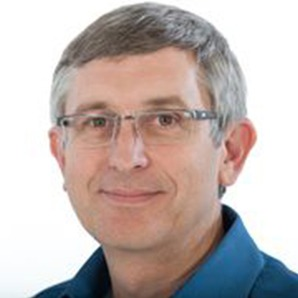 Photo Headshot of Robert Lee