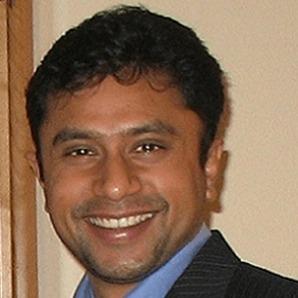 Photo Headshot of Shiv Thiyagarajan