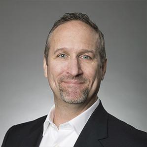 Photo Headshot of Steven Booth